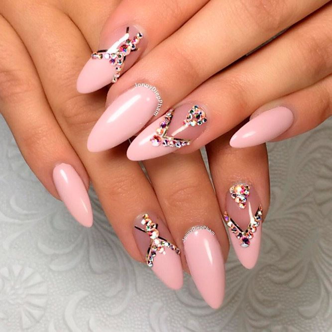21 Cool Nude Almond Nails Designs for an Exceptional Look - 21 Cool Nude Almond Nails Designs For An Exceptional Look Almond