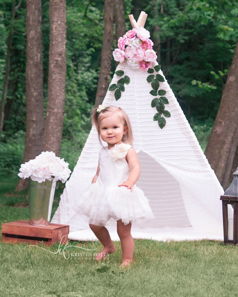 This glamping themed stylized photo session was perfect