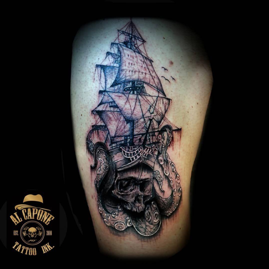 Work in progress😎#pirates #pirateshiptattoo #piratestyle #skull #skulltattoo #tattoostyle #tattoo4life #tattooink #tattoolove #inkedgirls #inkedmag #inklove #inktattoo #inkmagazine #blackpearl #piratesofthecaribbean #jacksparrow #italiantattooartist #winterthurtattoo #winterthur @alcaponetattoo.ink @balmtattooschweiz