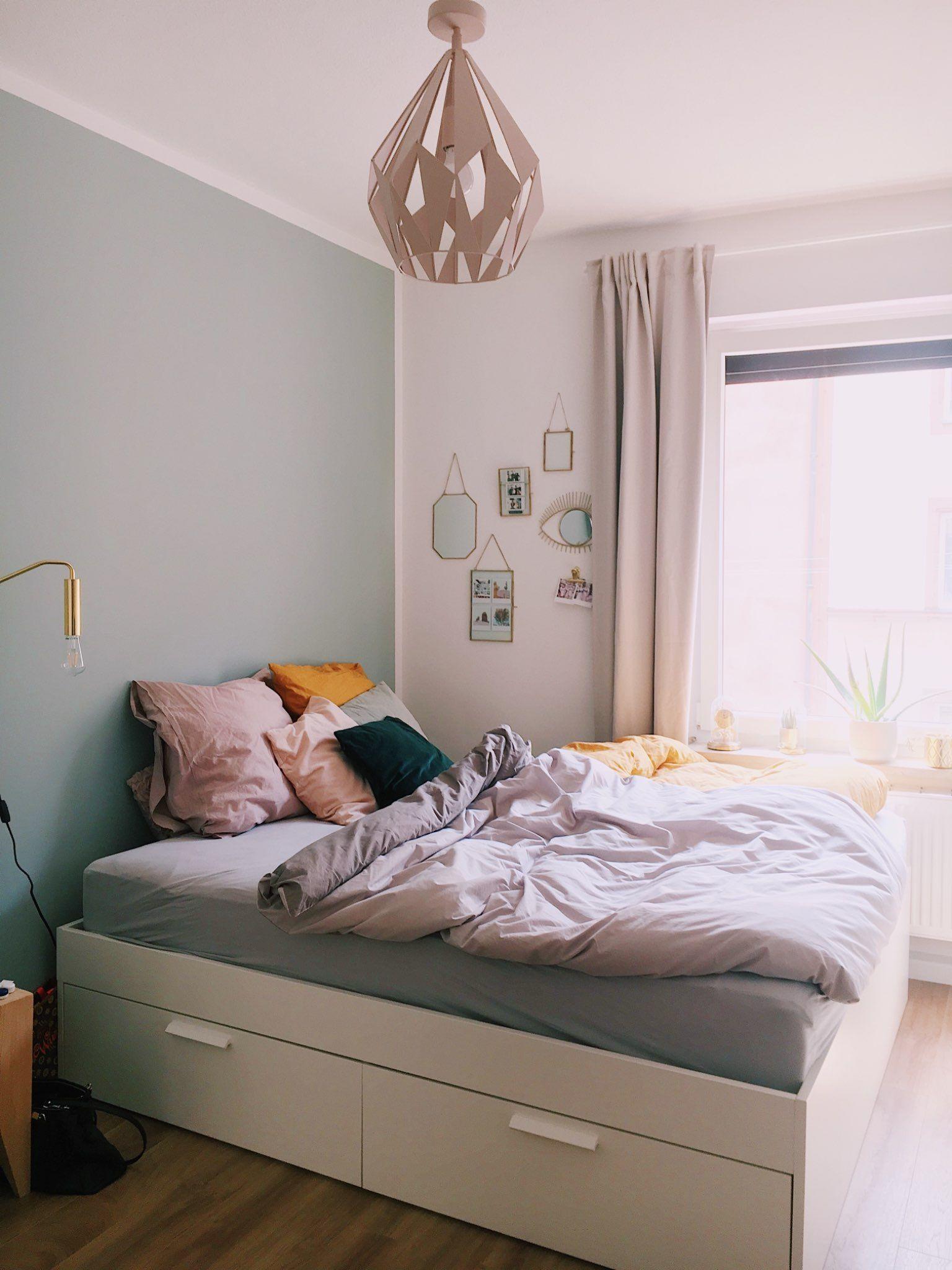Helles WG-Zimmer in Pasteltönen