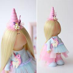 Unicorn 🦄 lady))) Куколка в наличии. 🌸Продана!!!! По всем вопросам в Директ ))) #кукла #куклавподарок #интерьернаякукла #текстильныеигрушки #текстильнаякукла #большеножка #тильда #творческаямастерская #шью #подарокручнойработы #8марта #подарокна8марта #весенняяколлекция #единорог #unicorn #doll #interior #interiordoll #fabric #cotton #sewing #present #handmadepresent