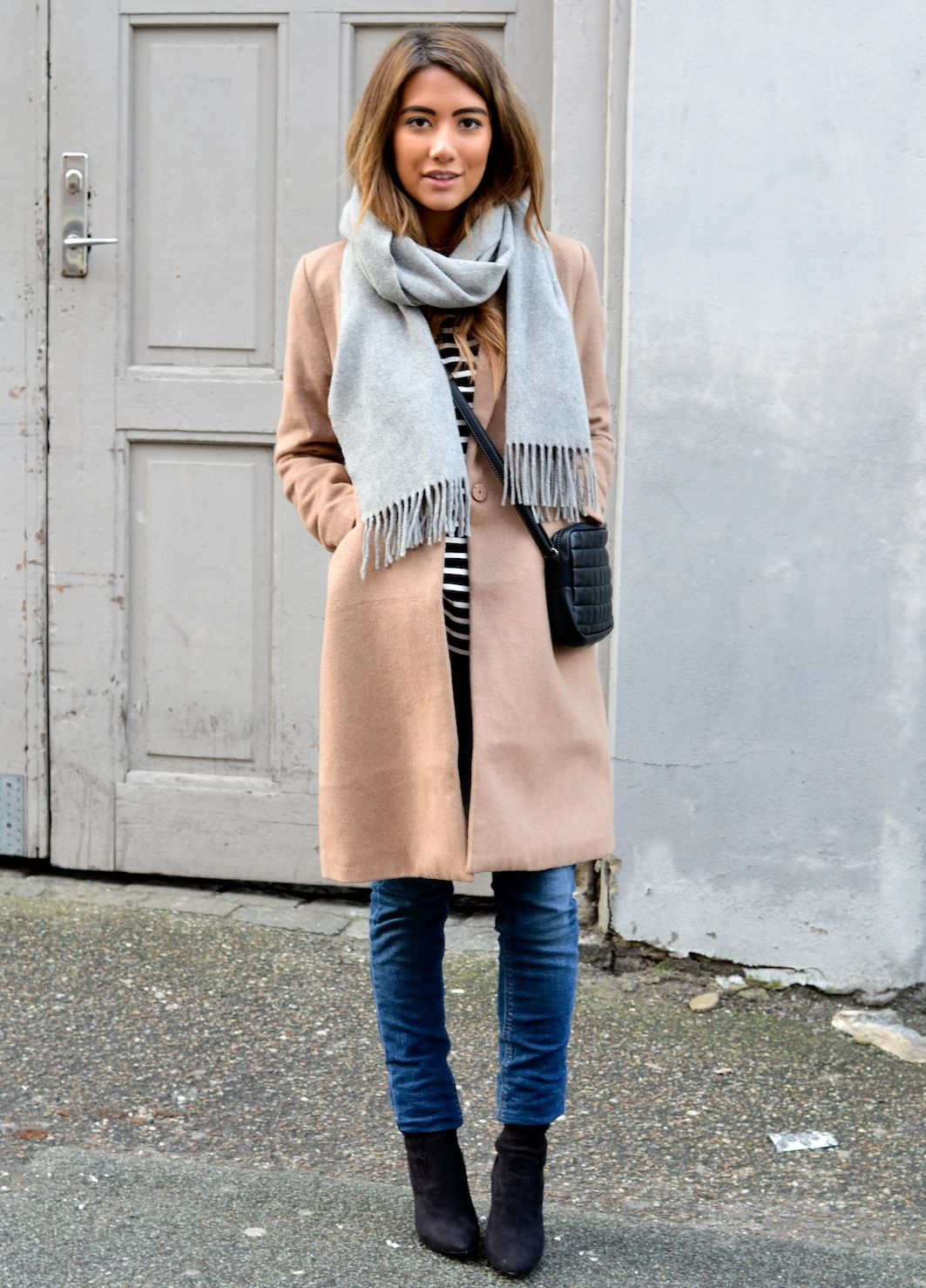 a6a115920c7a Camel coat + grey scarf. | STYLE | Fashion, Winter fashion, Camel coat