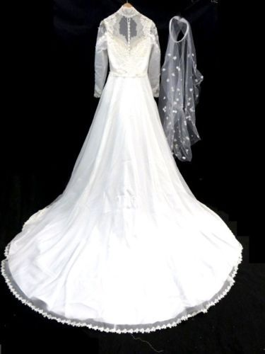 Corpse Bride Long Sleeve Ivory Wedding Dress With Lique