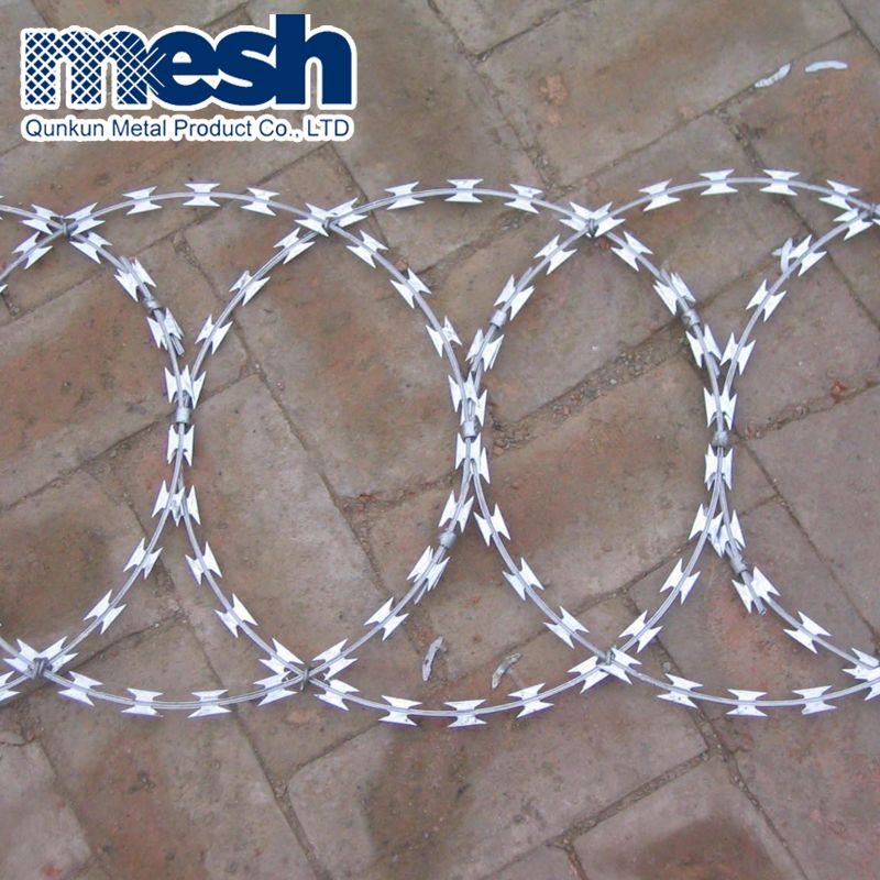 China Supplier low price concertina razor barbed wire/hot dipped ...