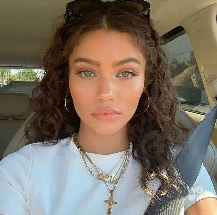Pin By Nea 3 On G I R L In 2020 Curly Hair Styles Hair Inspiration Beauty Hacks