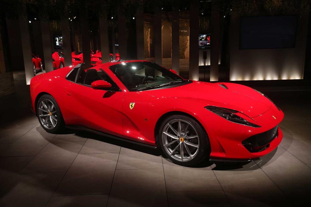 Ferrari 812 Gts Drop Top V12 Unveiled Ferrari Convertible Ferrari Top Cars