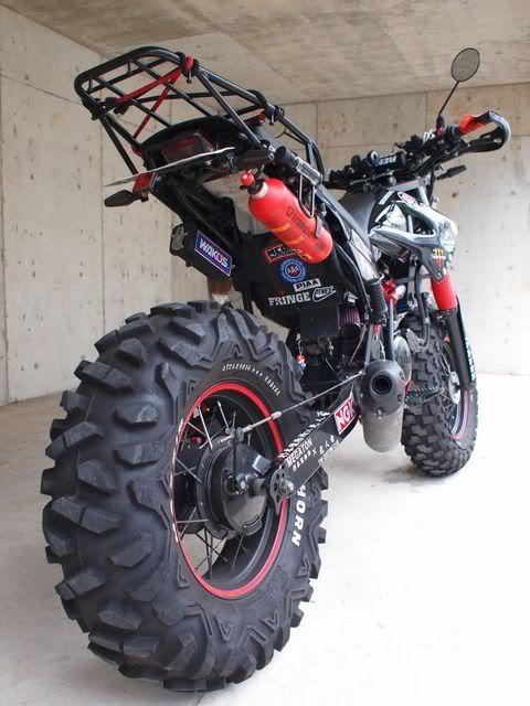 Yamaha fat tire dirt bike