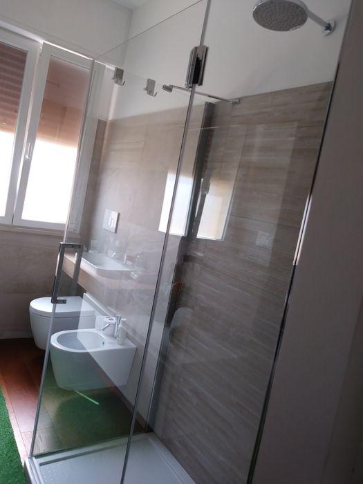 Box doccia in vetro, ampio e comodo da 130 x 70 centimetri