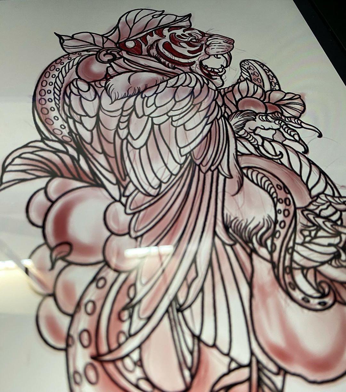 Diseño original disponible. Si deseas cotizar esta pieza o algún otro proyecto, con gusto te puedo resolver tus dudas por mensaje directo.  #eddarrowstattoo #sankyarrowstattooist #originaltattoodesign #neotradsub #neotraditionaltattoo #neotradicionalmexicano #neotradicional_mexicano #neotradicionaltattoo #tattooflash #tigertattoo #guadalajara #tatuajesdereyes #inkmagazine #supporgoodtattooing #supportgoodtattooers
