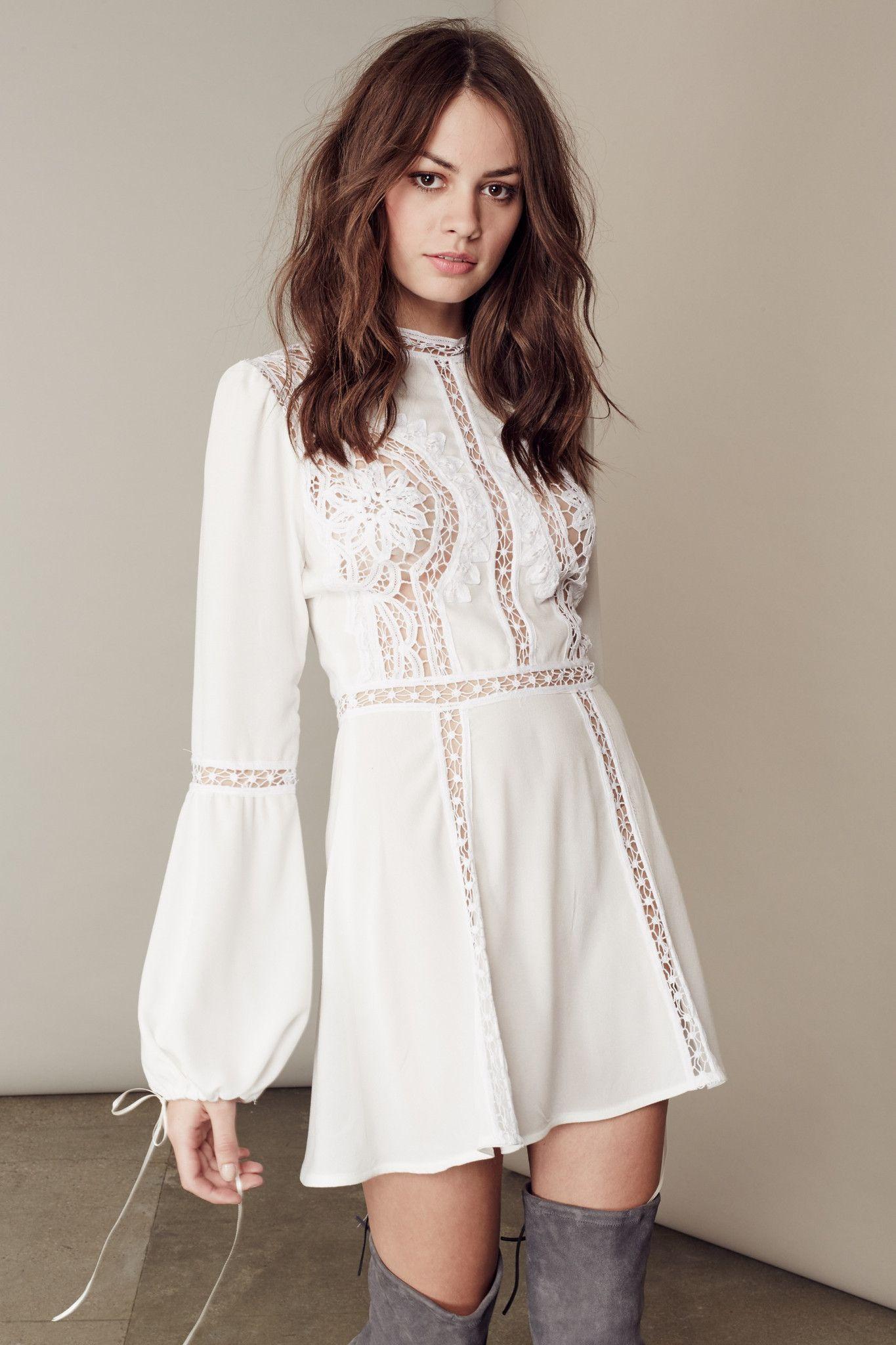 Idealna Letnia Sukienka Early Days 80 86 1 2 Lat Wiosna Kwiaty Impreza Wesele In 2020 Summer Dresses Floral Tops Dresses