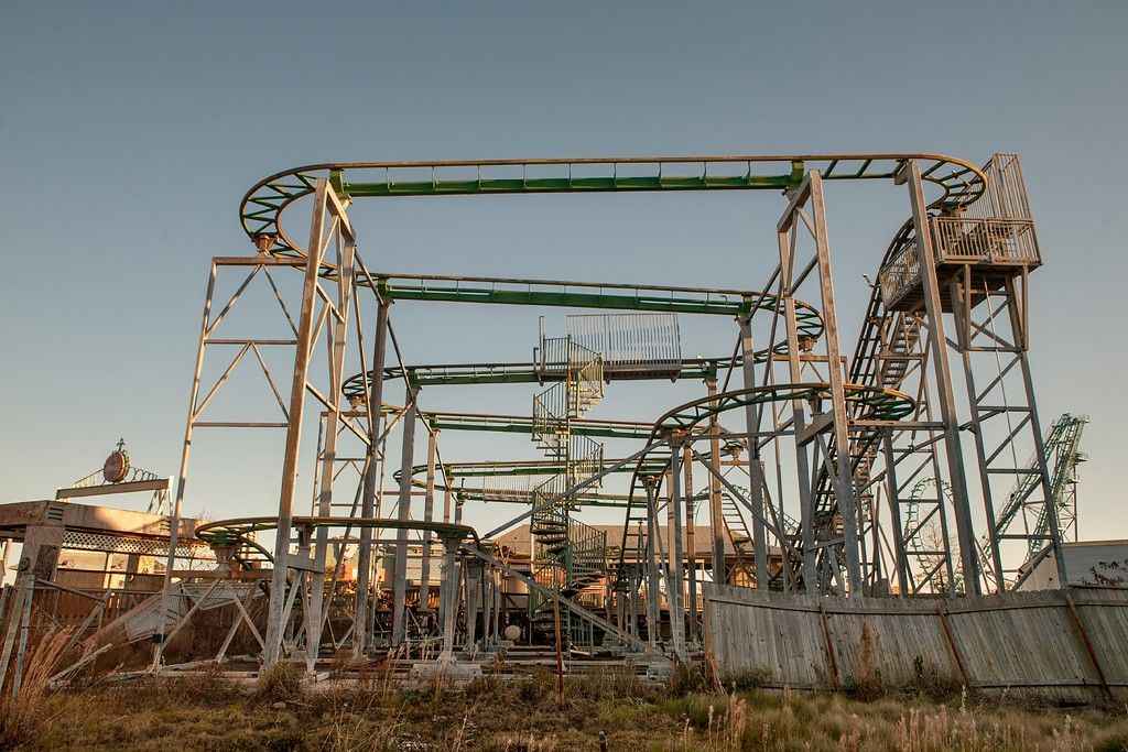 The Remains Of 6 Flags Zydeco Scream Abandoned Amusement Parks Amusement Park Rides Abandoned Theme Parks