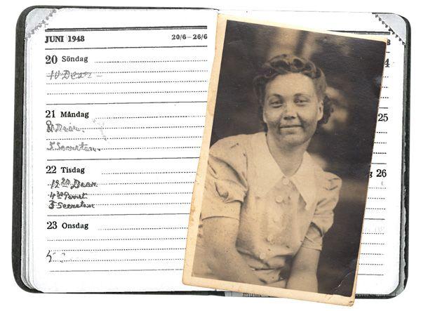 """Kansallisarkistossa säilytettäviin Mannerheimin kalentereihin on merkitty useita tapaamisia """"dearin"""" kanssa. Oliko kyseessä Viola Kaukonen?"""