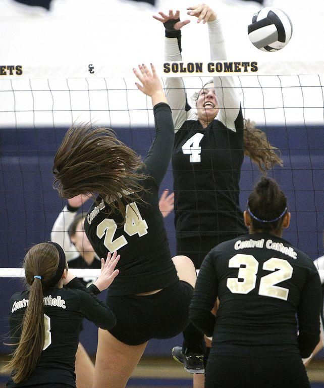 Tcc Volleyball Continues Tradition Of Excellence By Beating Aquinas In Semifinal Volleyball Thomas Aquinas Sports