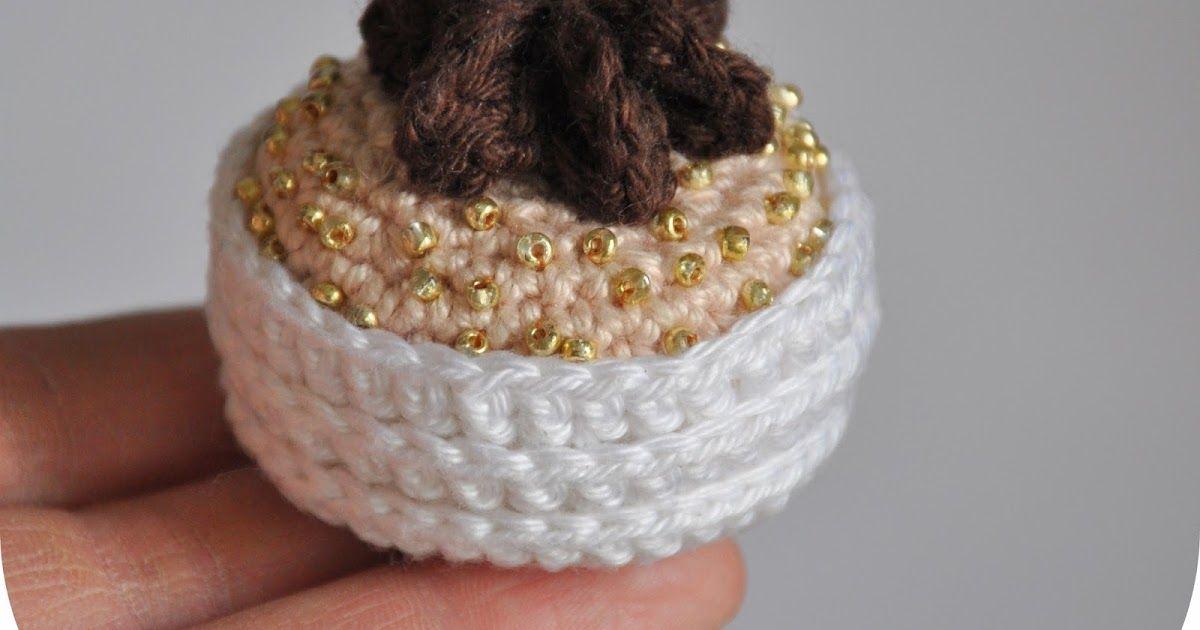 Haaknaald Met Licht : Mini pavlova met hazelnoot crème en donkere chocolade ganache