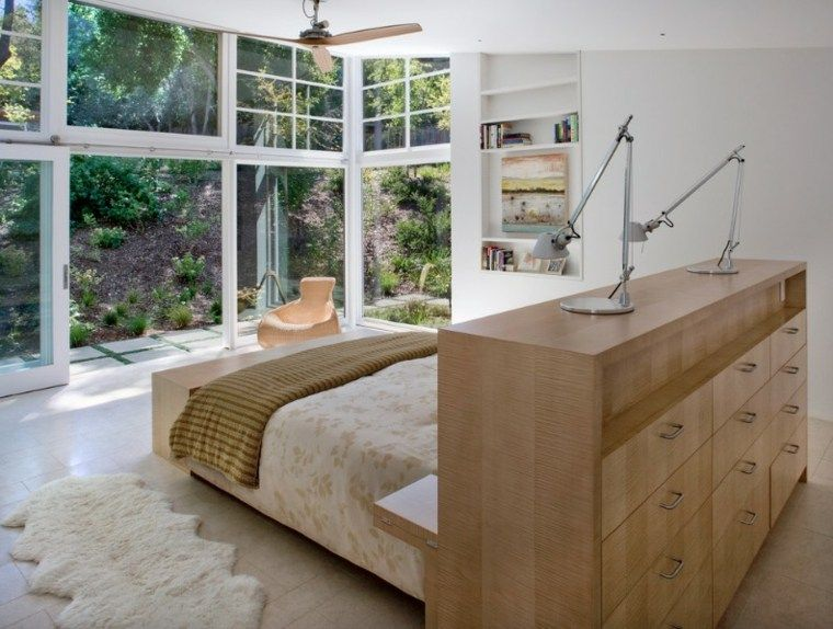 Grand meuble en bois