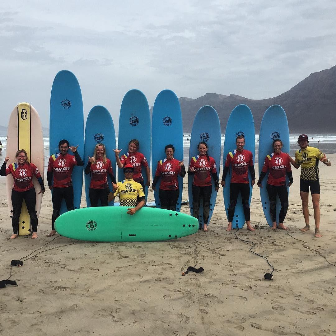 Buen #dia de #surf con nuestros #alumnos de la #escuela #oficial de @lasantasurf @lasantaprocenter #lasantasurf #lasantasurfprocenter #lasantaprocenter #surflanzarote #surfcamp #surfcanarias #surfschool #escueladesurf #surfing #waves #swell #procenter  http://ift.tt/SaUF9M