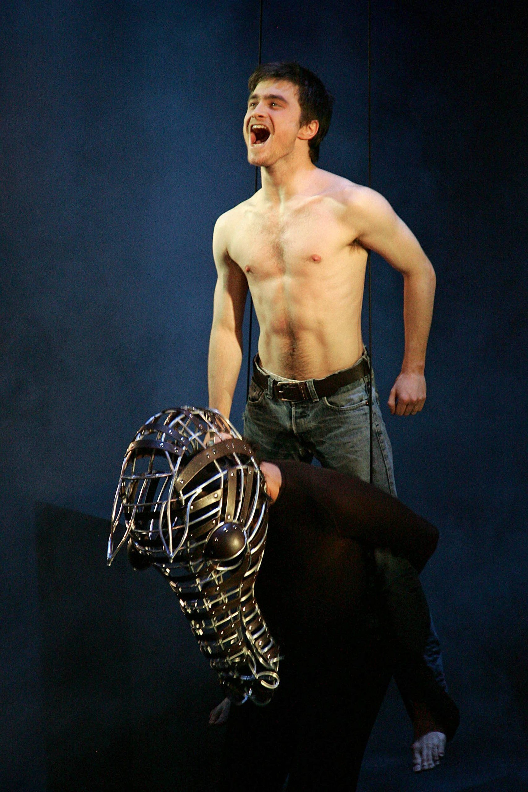 daniel Equus radcliffe play