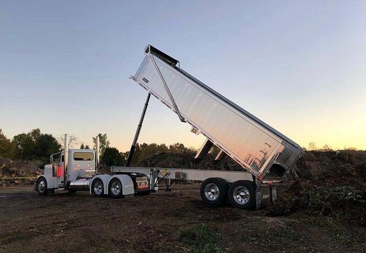 End Dump Truck >> End Dump Truck Peterbilt Peterbilt Trucks Dump Trailers Dump