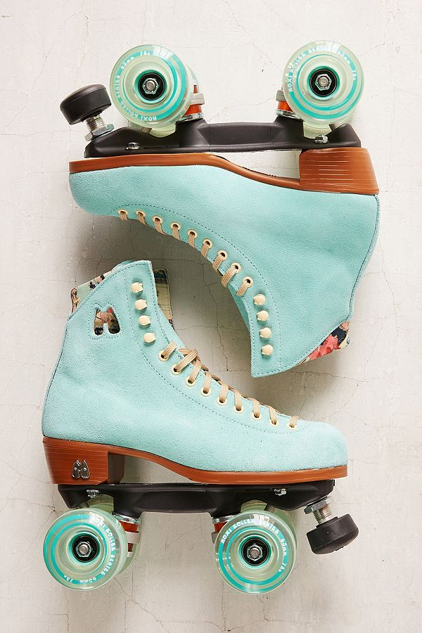 182b0ee7e37 Moxi UO Exclusive Suede Roller Skates in 2019 | roller skate | Retro ...