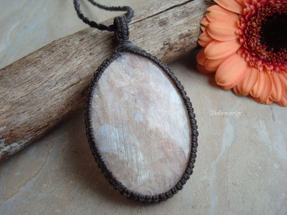 Moonstone Necklace/Russian Moonstone/Belomorite von GaiasGiftsToUs