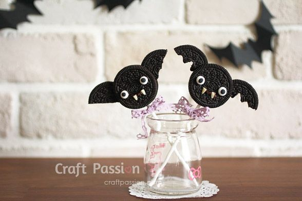 Bat Oreo Pops #oreopops Halloween Bat Oreo Pops - How To | Craft Passion #oreopops