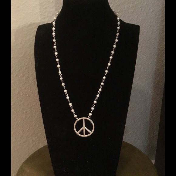 NWOT Pearls and Peace Perfect for your casual days Jewelry Necklaces