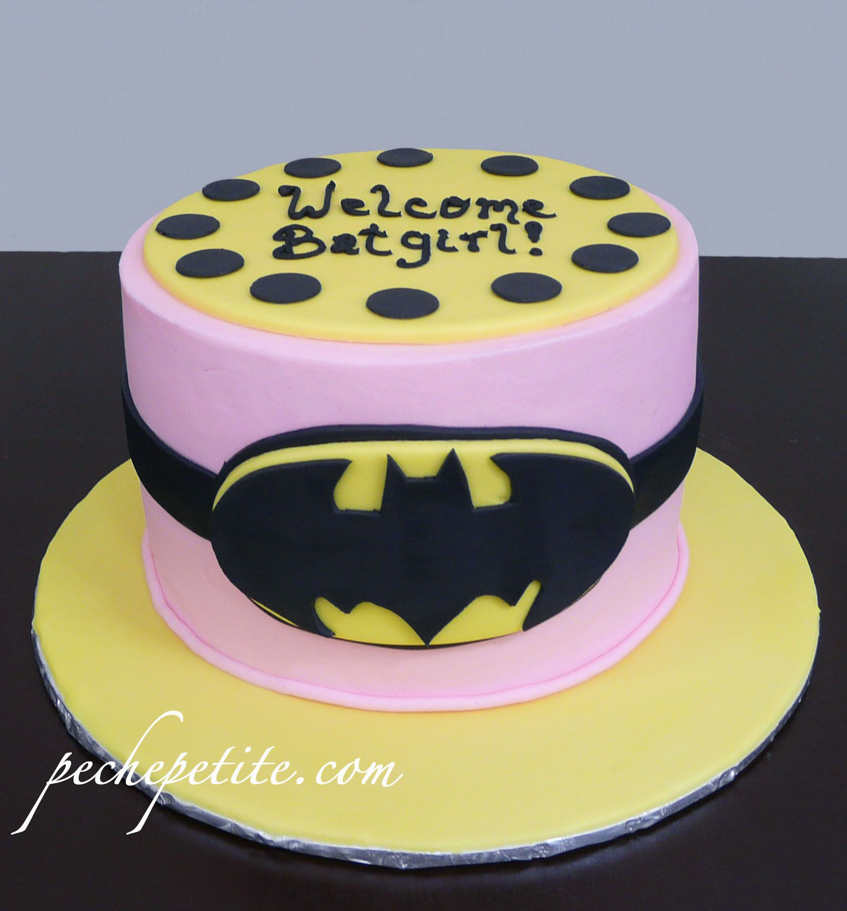 Cute Batgirl Cake For A Baby Shower From Pechepetite Baby