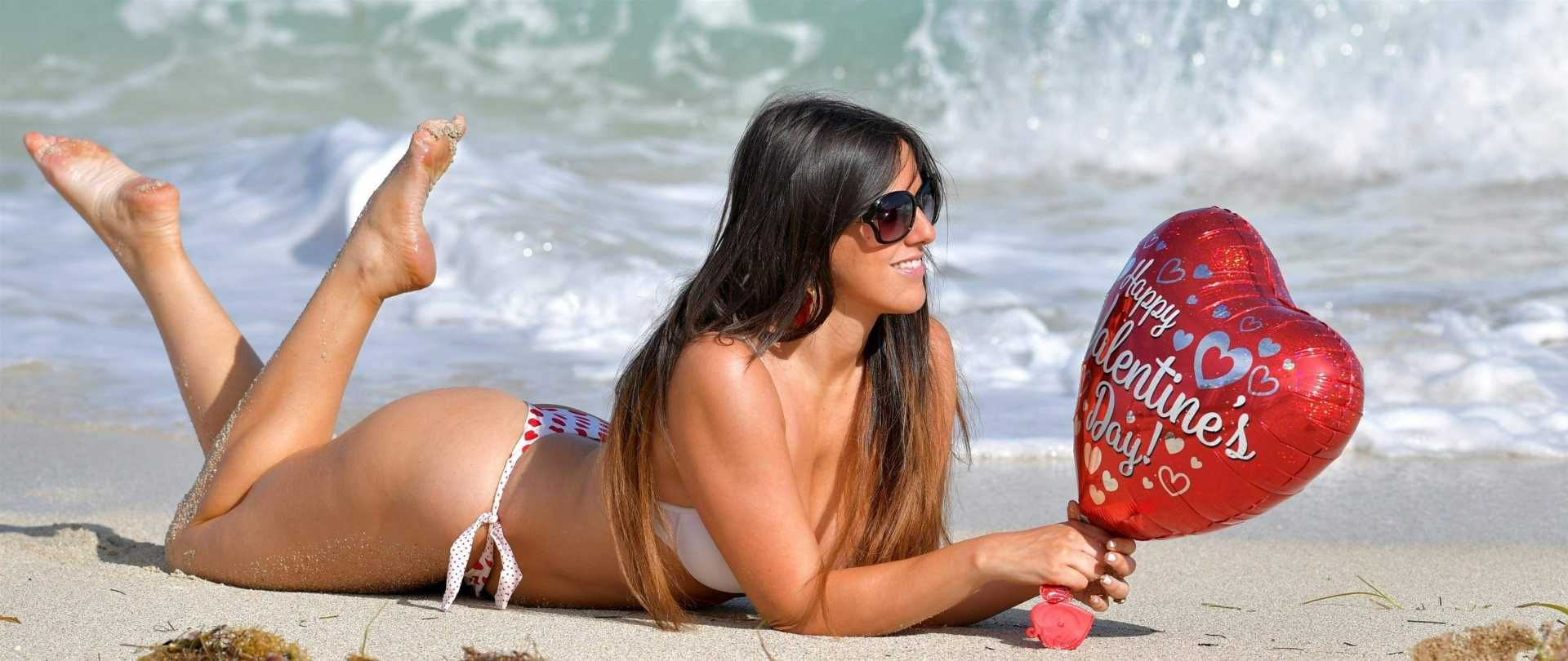 327f2b9d8 Claudia Romani in Bikini on Valentine s Day at the Beach in Miami Posted on  Feb. 15th