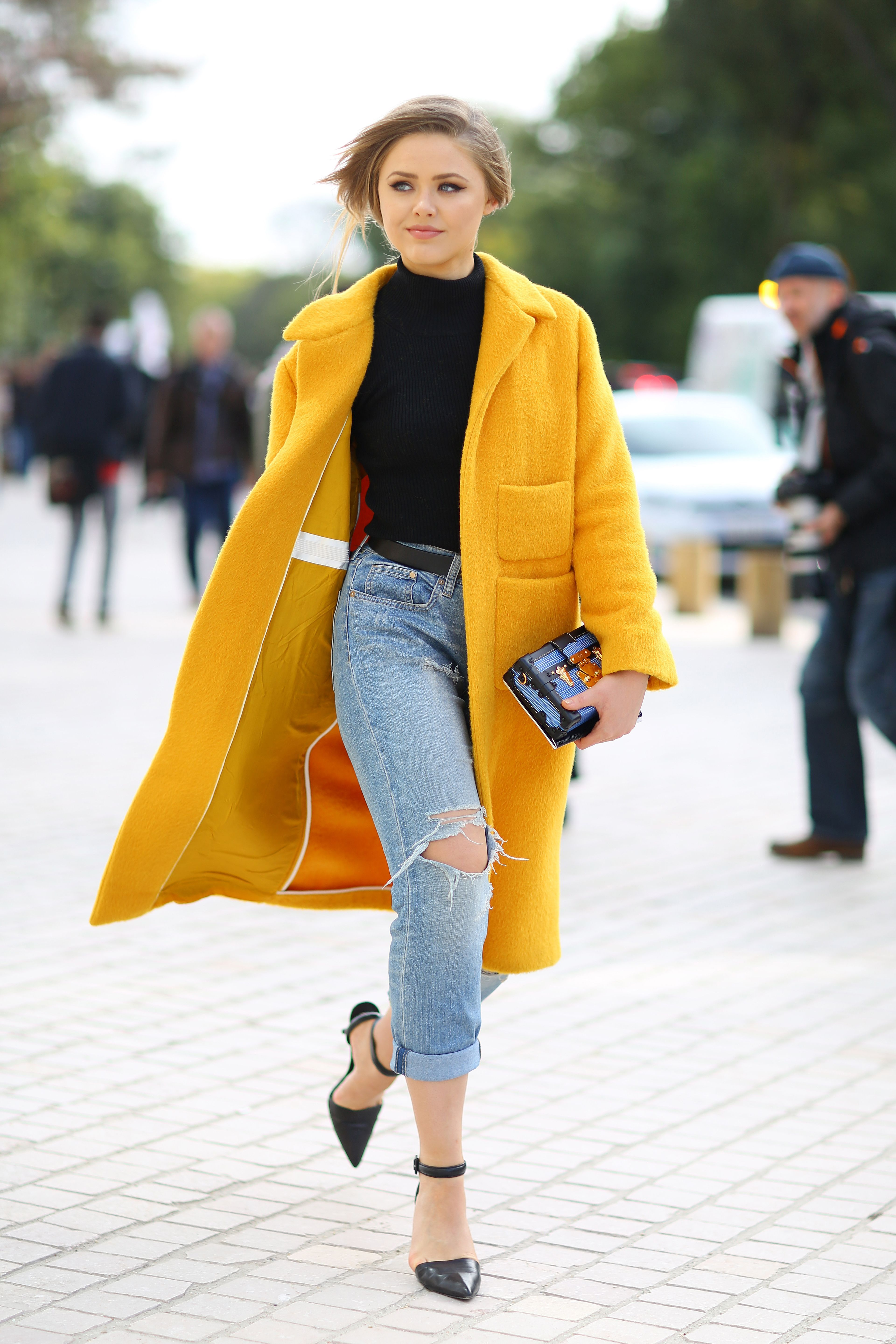 spending money on fashion How to be stylish without spending a lot of money bargain  thrifting will allow  you to include some other fashion eras in your wardrobe good fashion is.