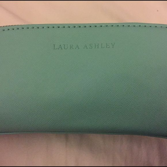 Laura Ashley makeup bag Cute Tiffany blue makeup case. Laura Ashley Bags Cosmetic Bags & Cases