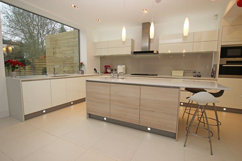 Handleless kitchens from lwk kitchens handleless gernamn kitchen design discover more at www german kitchencontemporary