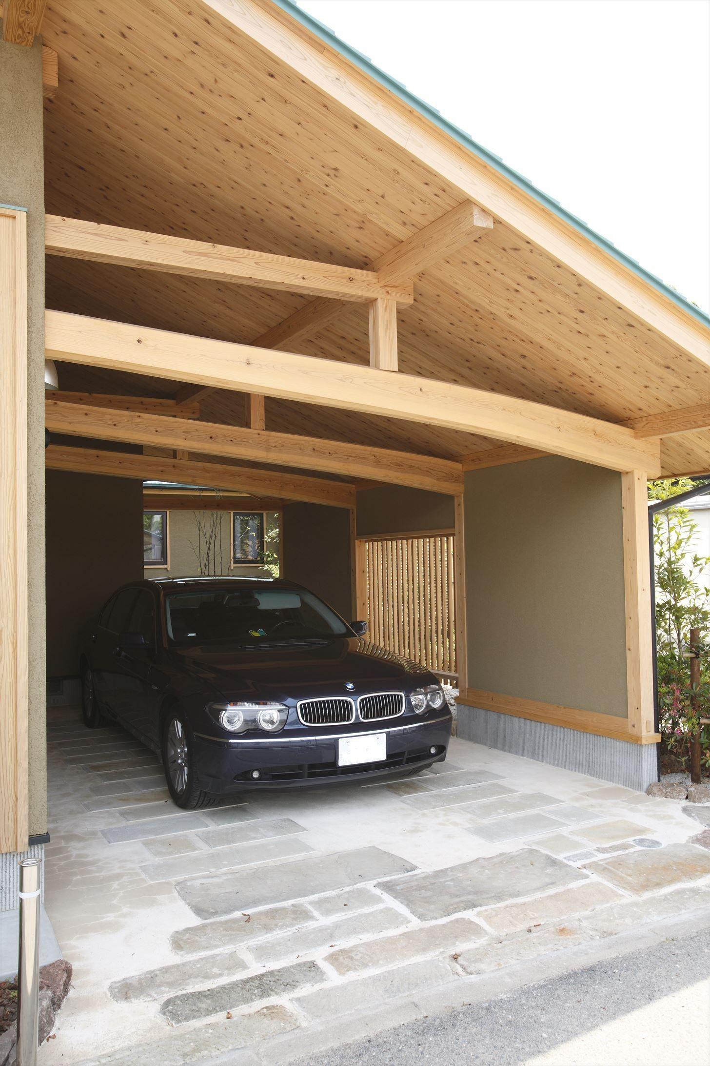 ガレージのある家 2020 ビルトインガレージ ハウス 窓 デザイン