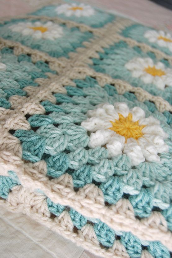 Daisy tutorial and adding rounds to the daisy to create a granny ...
