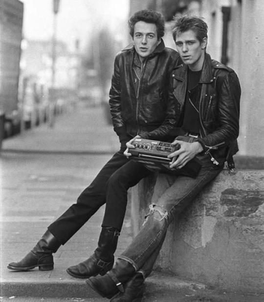Joe Strummer & Paul Simonon in London, 1978