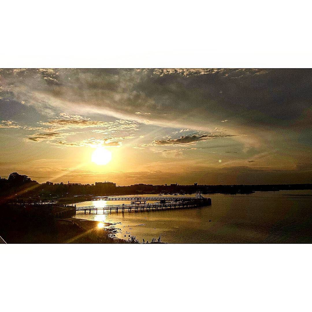 Beautiful #geelongwaterfront#sunset#spring#easternbeach#victoria by dillidallidayz http://ift.tt/1JtS0vo