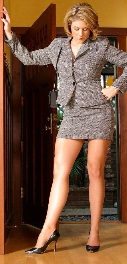fucking-girl-in-short-skirt