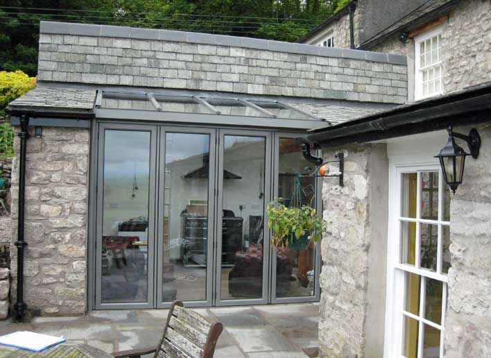 Build an extension with glass wall kichen pinterest for Cottage kitchen extensions