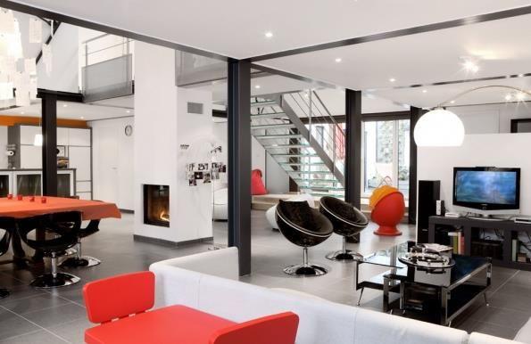 Image Loft en noir et blanc avec accessoires oranges ASJ Concept