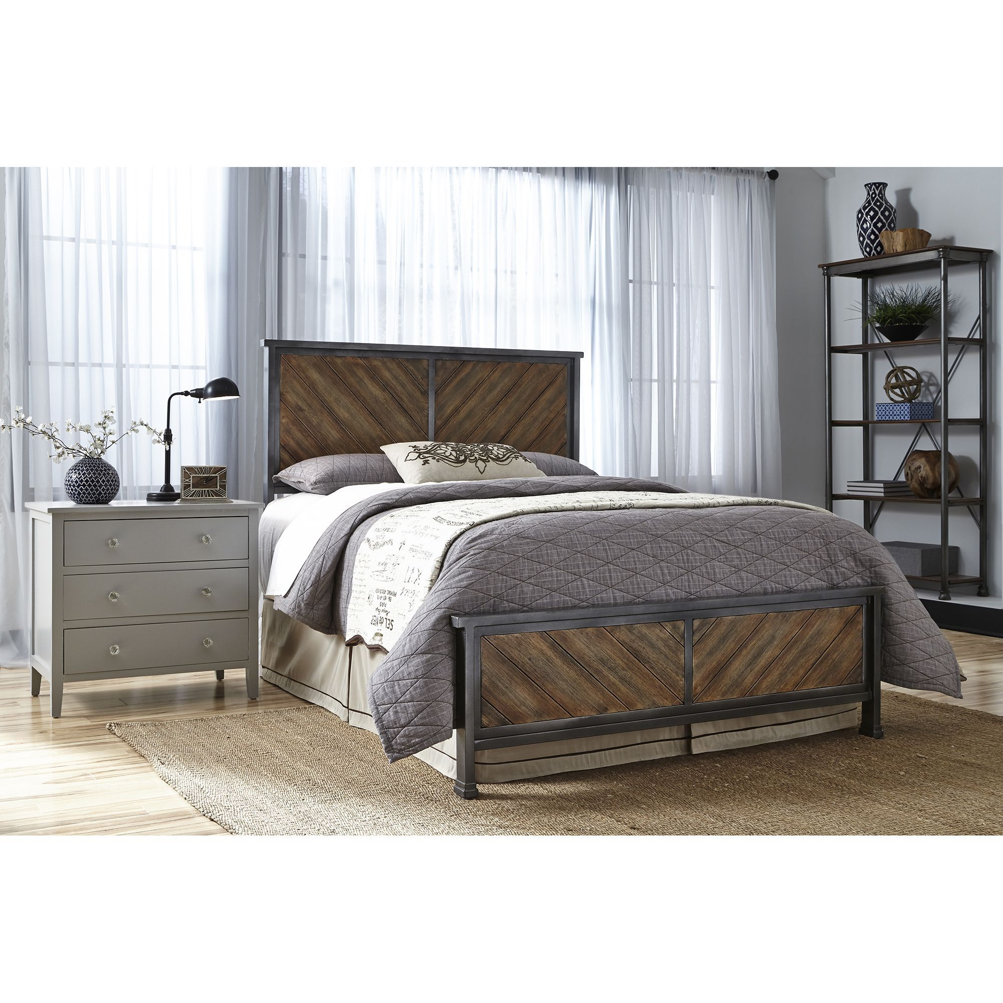 Leggett & Platt Braden Complete Bed with Metal Panels and