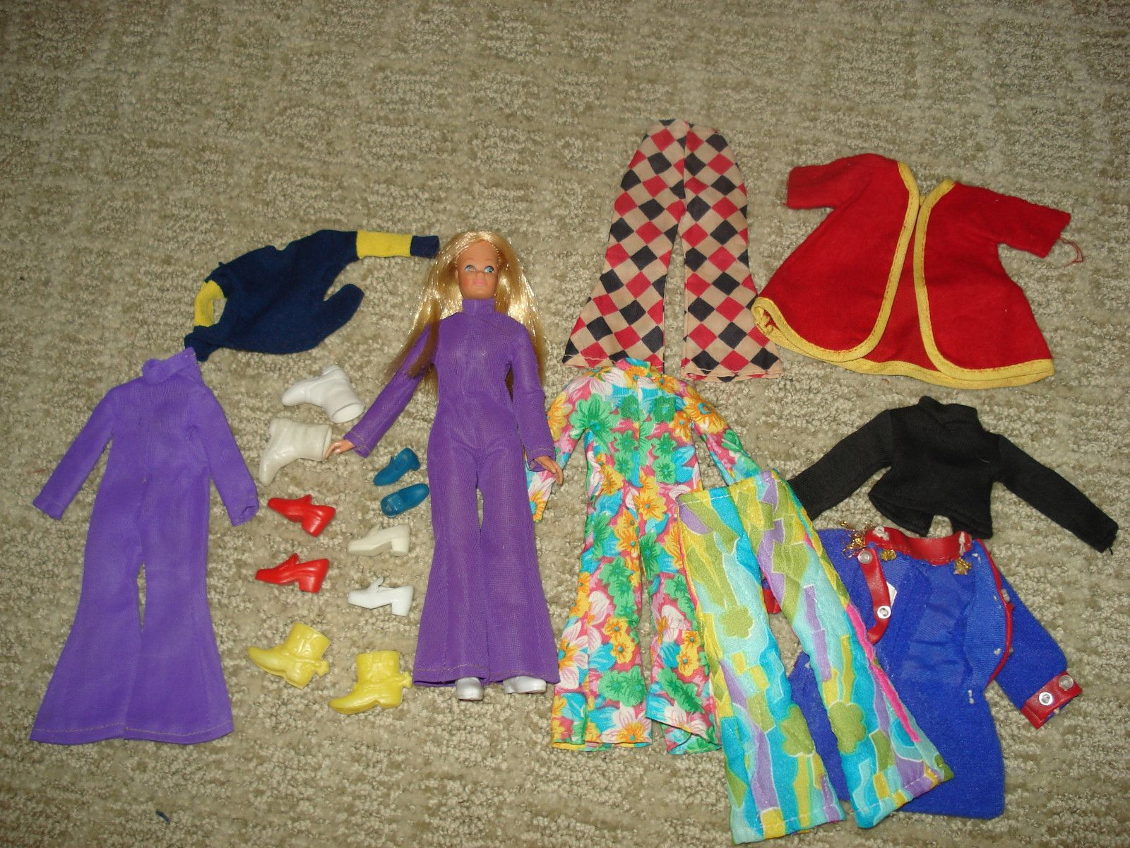 Dinah-Mite and her wardrobe.