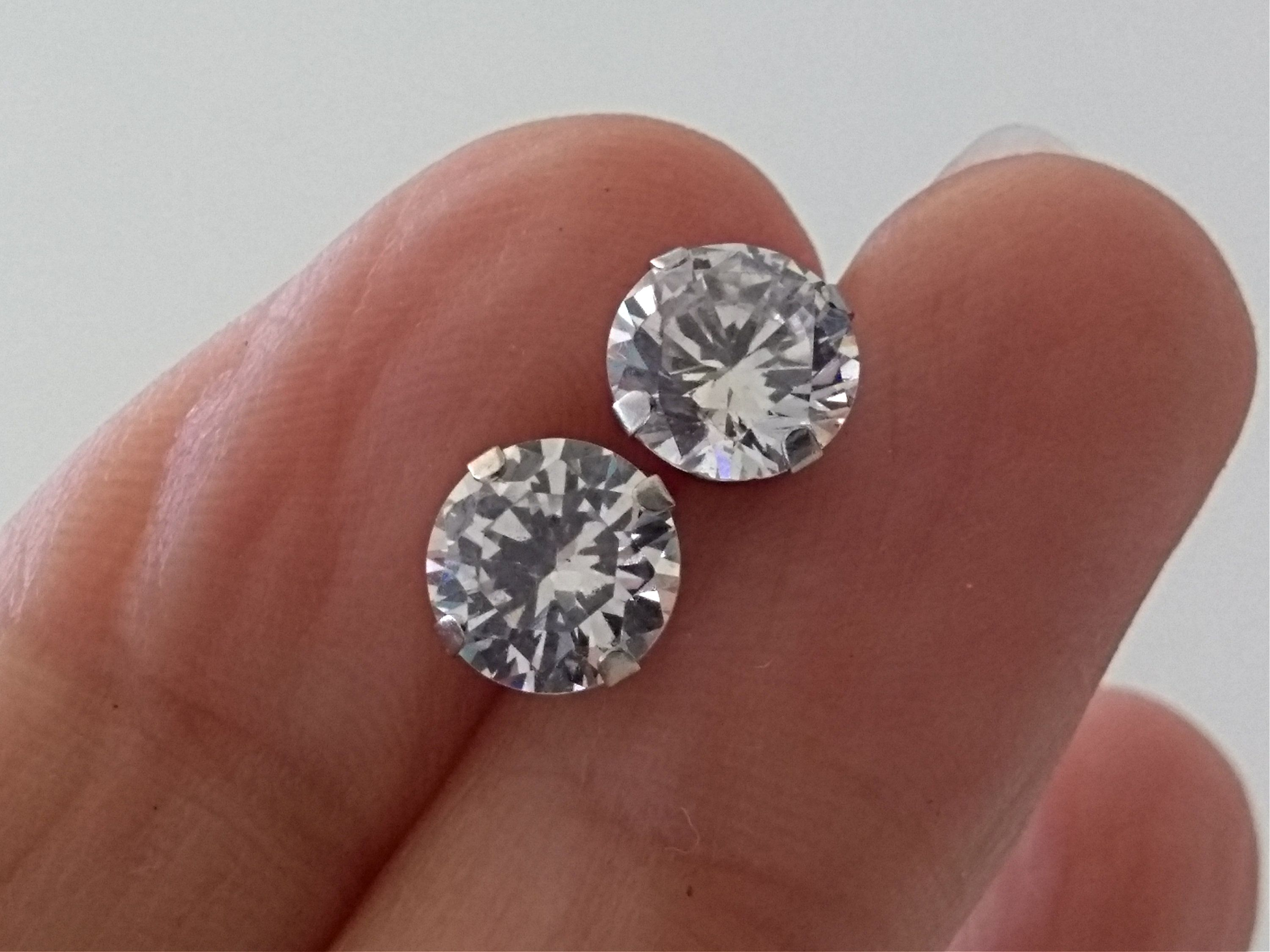 Vintage 10k White Gold Clear Cubic Zirconia 7mm Round Stud Earrings Pierced Post Earrings Free Shipping U S With Images Round Stud Earrings Stud Earrings Post Earrings