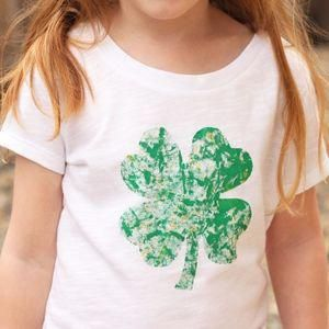 Eraser-Stamped DIY St. Patrick's Day Shirt - Cutesy Crafts #eraserstamp