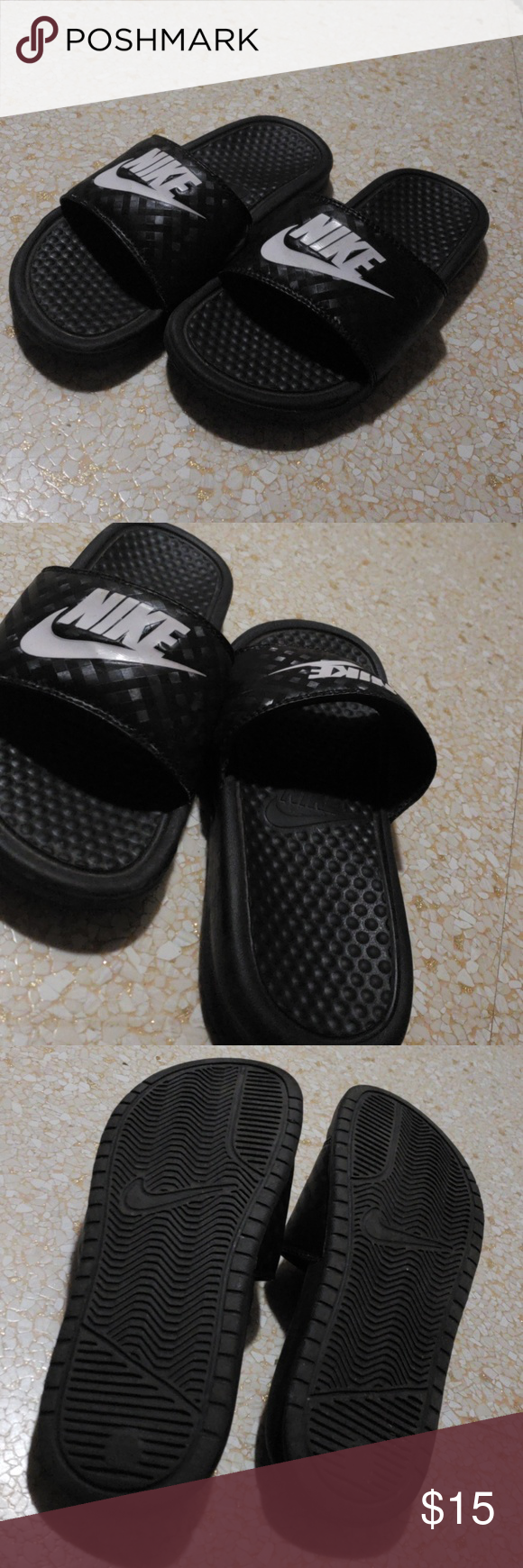 the best attitude 00367 f5b6d Nike Shoes | Nike Slippers | Color: Black/White | Size: 5 ...