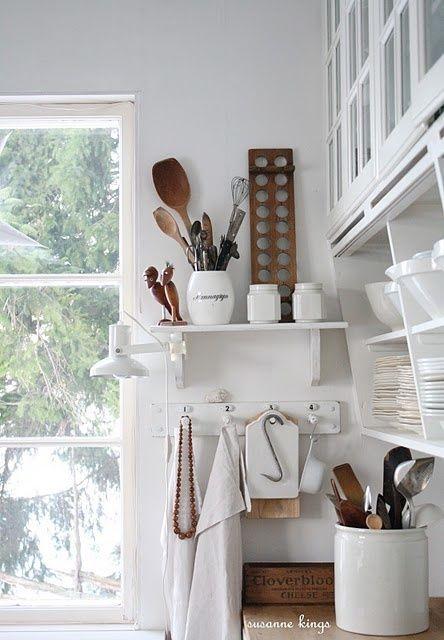 Keuken in wit met hout, altijd goed Keuken Pinterest Kitchens