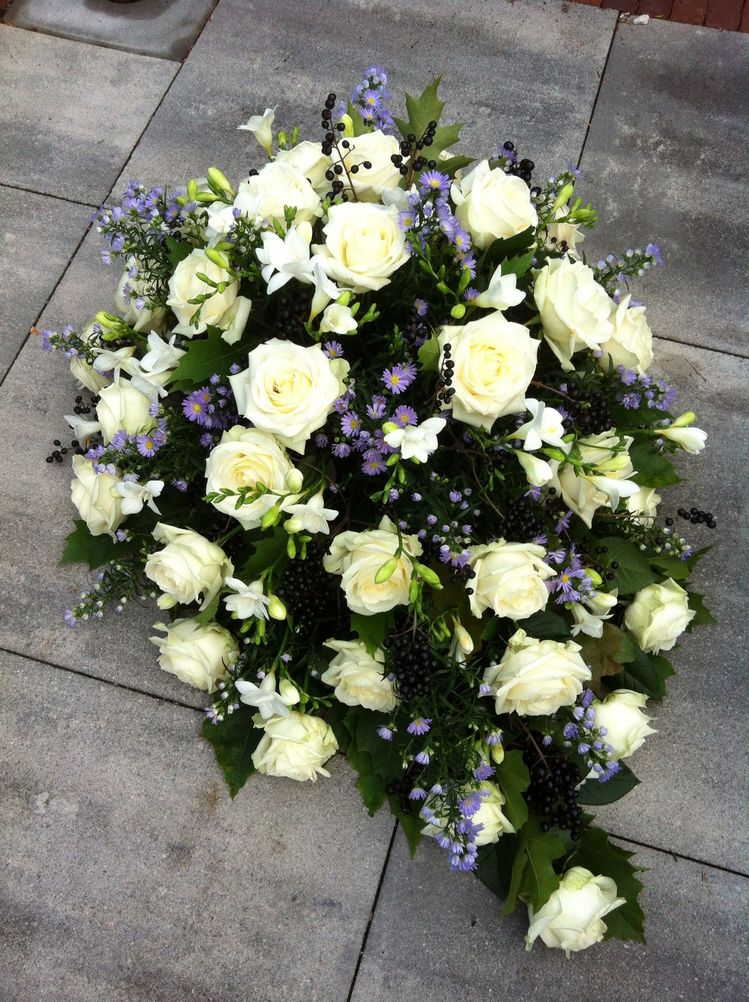 Purplewhite sympathy flowers (With images) Funeral