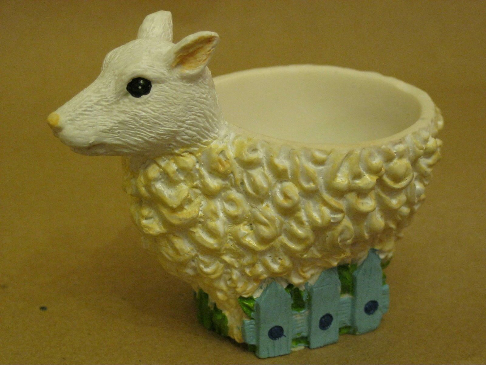 Lovely sheep collectable egg cup | Pinterest | Egg cups, Egg and Cups