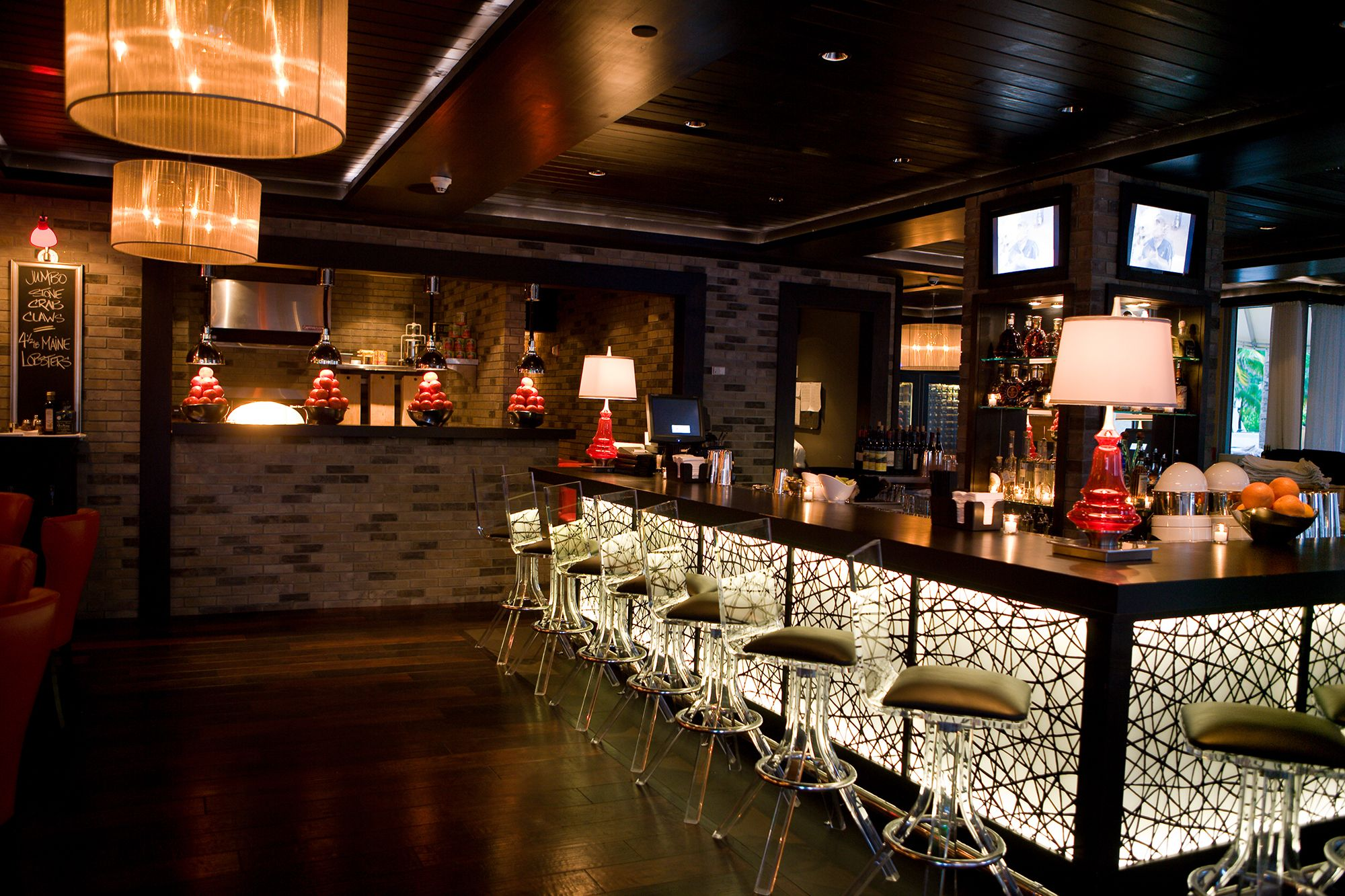 Prime 112 - Miami. the first floor is the usual steakhouse bar ...