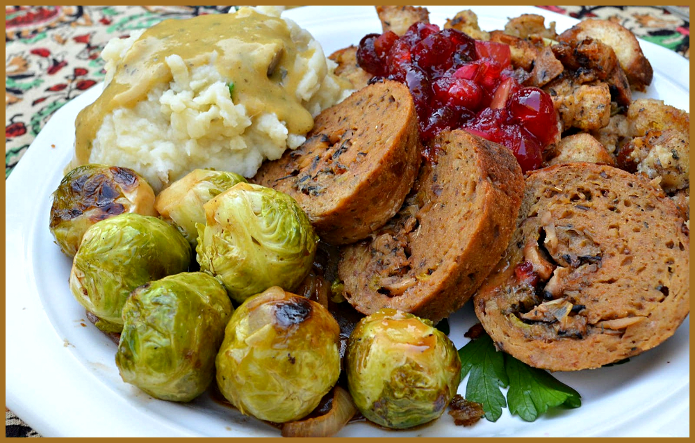Recipes for The Ultimate Vegan Thanksgiving Menu: From Meatless Main Courses to Dairy-Free Pies-
