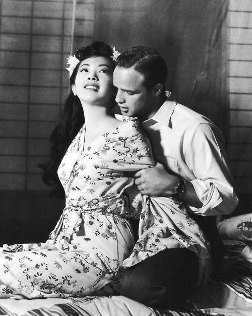 Miiko Taka and Marlon Brando in Sayonara, 1957.