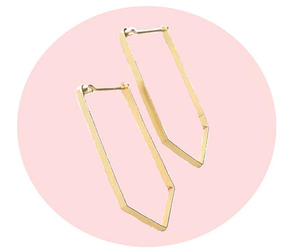 gold earrings / aoko su